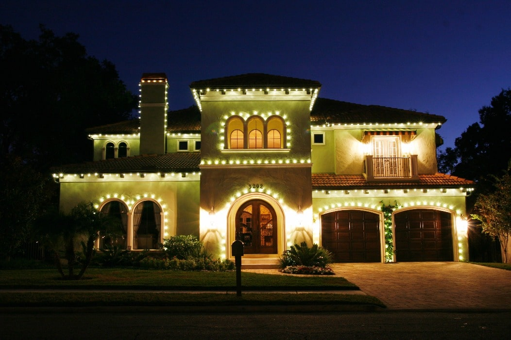 holiday lighting companies